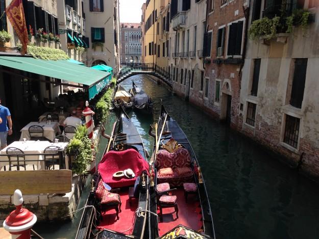 ベネチアの運河で、ヴァポレットに乗ろう!