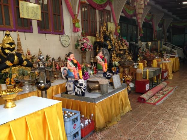 タイで徳を積みました!タムブン で魚と鳥を自然に返す(2)ワットラカン