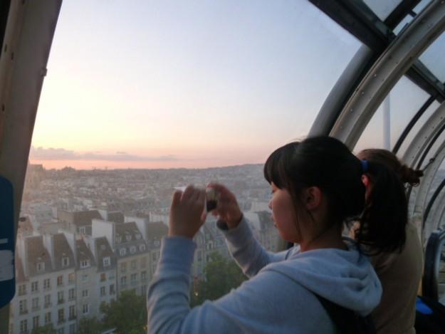 ポンピドゥーセンターの展望台から。ここからもパリの街、よく見える。遠くはモンマルトル、サクレクール寺院まで。