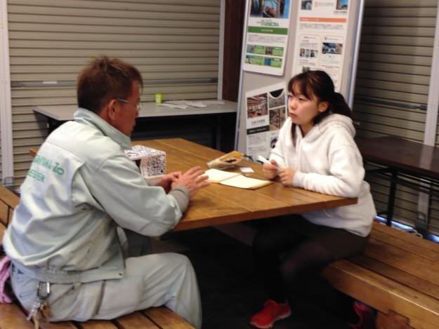 旭山動物園で園長さんにインタビュー。