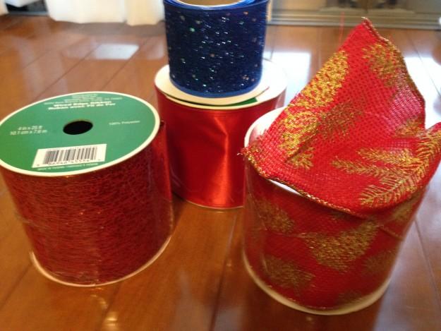 サンタモニカで仕入れたワイヤー入りのリボンでクリスマスを手作りに