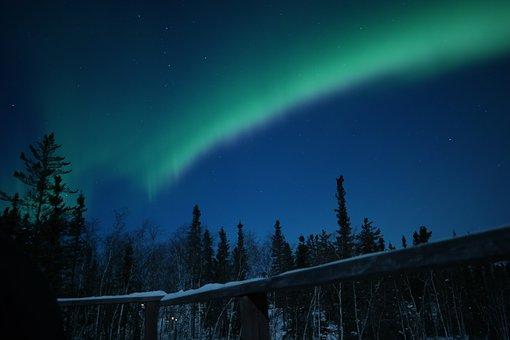 冬のイエローナイフでは、かなりの確率でオーロラが見れる!|カナダ