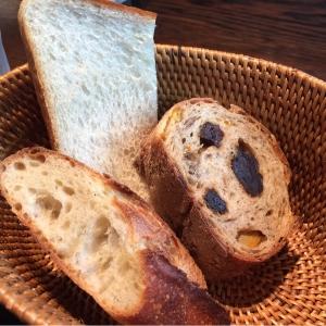 パンは3種類。絶妙な美味しさは食べてみなくちゃわからない