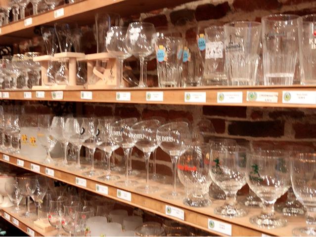 ビールのグラスたち。ビールに合わせて、グラスを変えて楽しむ。オシャレだと思いませんか~