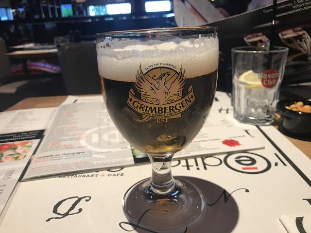 ベルギーのビールは町の名前をそのままビールの名前にするようです。 これは修道院ビール。