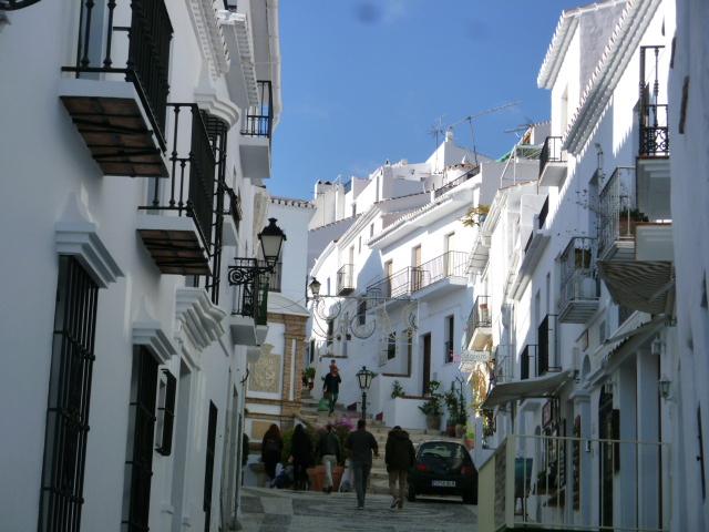 ここは、コスタ・デル・ソルのフリヒリアナ。スペインの一番美しい白い村。