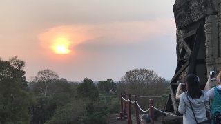 アンコールの遺跡群。美しい夕陽を見る大回りプラン